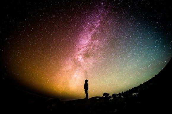 アストロバイオロジーとパンスペルミア説の壮大な夢の重要性