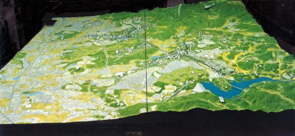 国際文化公園都市(その後「彩都」と呼ばれる)の計画ジオラマ模型(3m✕3m)